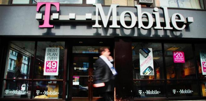 Na koniec 2012 roku spółka obsługiwała 16,04 mln klientów. Usługi sieci T-Mobile i Heyah dostępne są na blisko 100% powierzchni Polski.
