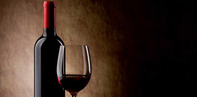 Jak podano w komunikacie, pod względem wartości wyeksportowanego nad Wisłę wina Włosi zajmują pierwsze miejsce.