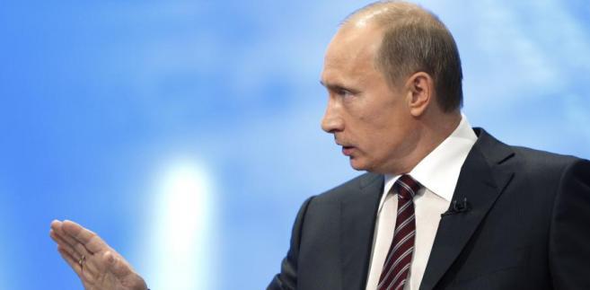 """""""Lista oligarchów"""" mających wspierać Putina to po prostu przepisany ranking miliarderów magazynu """"Forbes"""""""