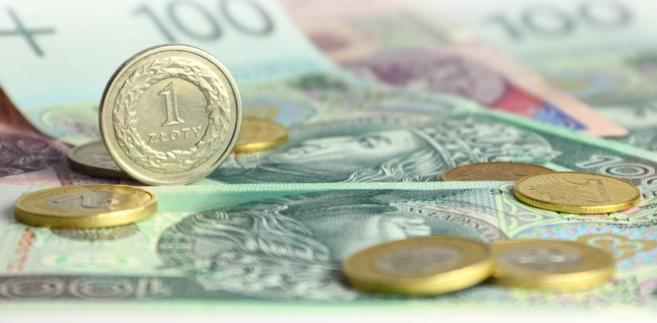 Fatalne dane z gospodarek Francji i Niemiec są główną przyczyną dzisiejszego silnego osłabienia złotego wobec wszystkich najważniejszych walut.