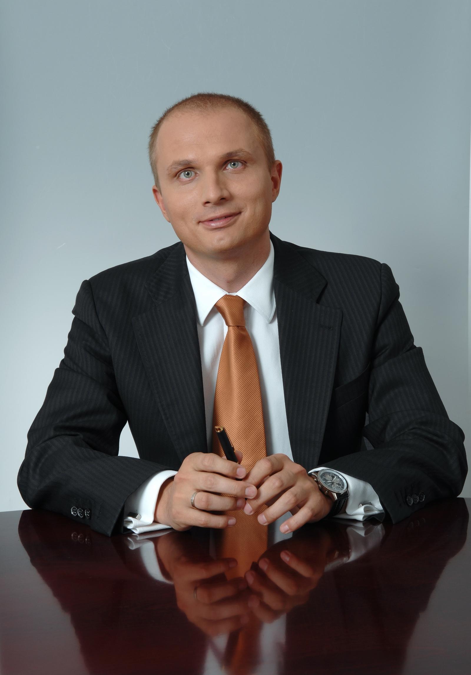 Sławomir Paruch, radca prawny specjalizującym się w prawie pracy, partner w kancelarii Raczkowski i Wspólnicy sp.k.
